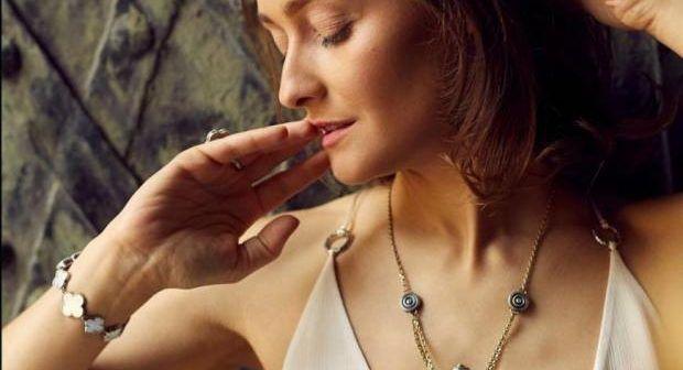 Парфум на шиї, або Як мають пахнути сучасні жінки