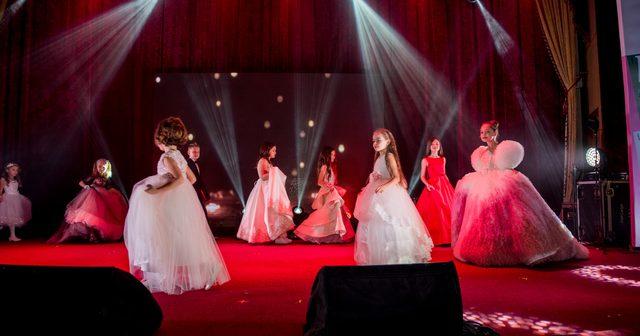 """Міні-Міс/Містер """"Like"""" 2020: учасники конкурсу на уроці хореографії"""